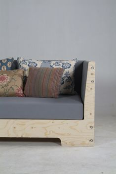 Wooden couch (Piet Hein Eek via Apartment Therapy)