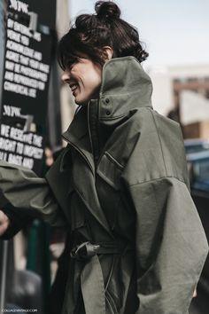 NYFW-New_York_Fashion_Week-Fall_Winter-17-Street_Style-Coco_Rocha-Khaki_Jacket-1