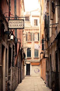 Venezia Nella Nebbia { Venice in the Fog } — Kelly Neil