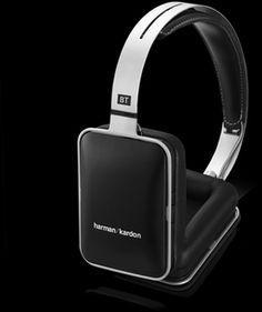 BT | Premium over-ear headphones with Bluetooth technology, AAC and apt-X coding, passive playback capability and built-in micro