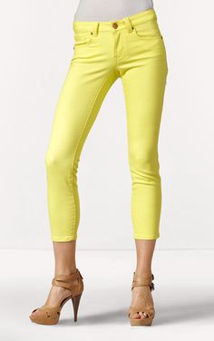 Lovin' my CAbi Cropped Bree Jean. The yellow is such a great pop of color...and best of all it's Oregon Duck yellow!