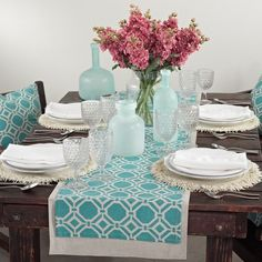Dress your table in contemporary elegance with Saro Lifestyle's printed geo design runner. This runner is perfect for everyday elegance. Color: Aqua Materials: 70-percent polyester/30-percent linen Qu