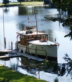 36-foot raised-deck cruiser built in 1930 by N.J. Blanchard Boat Company