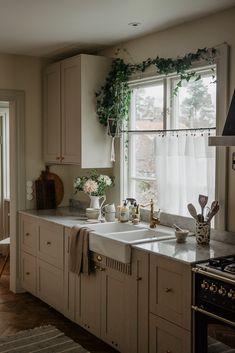 Kitchen Interior, Kitchen Design, Beddinge, Scandi Home, Home Design Decor, Home Decor, Scandinavian Interior Design, Country Kitchen, Home Kitchens