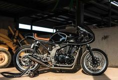 Building a Suzuki GS500 cafe racer bike can prove to be a challenging prospect. But with the right attitude and creativity you can overcome these obstacles