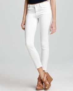 J Brand 811 Mid-Rise Tencel Supersoft Skinny Jeans in Snow, Size 26