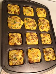 Italian Sausage Breakfast Squares (using Pampered Chef Brownie Pan). What's For Breakfast, Sausage Breakfast, Breakfast Dishes, Breakfast Casserole, Breakfast Recipes, Vegetarian Breakfast, Christmas Breakfast, Breakfast Burritos, Crunchwrap Supreme
