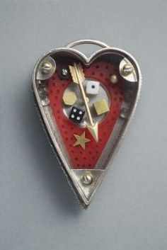 Thomas Mann. Heart container brooch. 2011.