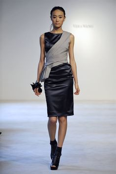 Vera Wang Resort 2011 Fashion Show - Shu Pei Qin