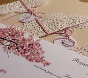 Convite de casamento super charmoso de cherry blossom e envelope rendado