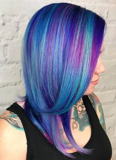 Hair Color 2018 Trendy Blue And Purple Highlights ❤️See what a deep and bright look you can get with purple highlights! Purple balayage, blue ombre, and many cool hair color ideas are here! Hair Color 2017, Hair Color Blue, Cool Hair Color, Purple Hair, Green Hair, Spring Hairstyles, Unique Hairstyles, Pretty Hairstyles, Hairstyles Haircuts