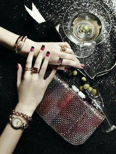 Bvlgari Accessories in Dichan magazine Thailand Bvlgari Accessories, Fashion Accessories, Fashion Jewelry, Women Jewelry, Jewelry Model, Photo Jewelry, Mood Images, Jewelry Editorial, Girls Hand