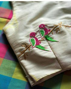 Hand Embroidery Videos, Embroidery Motifs, Hand Embroidery Designs, Pearl Embroidery, New Saree Blouse Designs, Simple Blouse Designs, Blouse Patterns, Sewing Patterns, Bridal Henna Designs