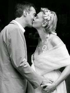 The First Kiss, Wimbledon Wedding. www.davevickersweddings.co.uk