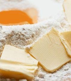 Így készül a tökéletes linzertészta Biscotti, Pasta Recipes, Camembert Cheese, Bakery, Sweets, Food, Gummi Candy, Candy, Essen