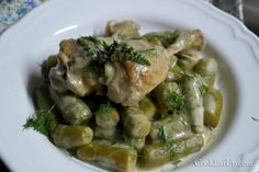 kotopoulo me kolokythakia Greek Recipes, Sprouts, Asparagus, Cooking Recipes, Meat, Chicken, Vegetables, Ethnic Recipes, Food