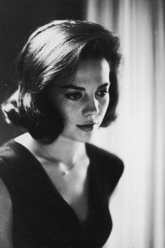 Natalie Wood. Femininity at its finest.
