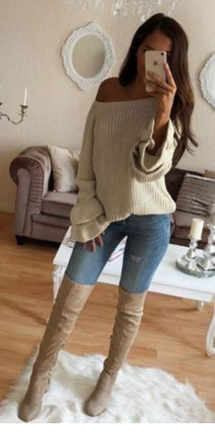 winter outfits vrouw beige knitted off-shoulder sweater Trendy Fall Outfits, Cute Outfits For School, Winter Outfits For Work, Winter Outfits Women, Cute Casual Outfits, Winter Fashion Outfits, Fall Fashion Trends, Autumn Winter Fashion, Summer Outfits