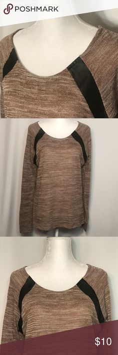 Signature Studio Top Size XL Signature Studio/ Size XL/ Great Condition / Smoke Free home/ Please ask questions!/ Offers are welcome and encouraged!/ Happy Poshing! Signature Studio Tops