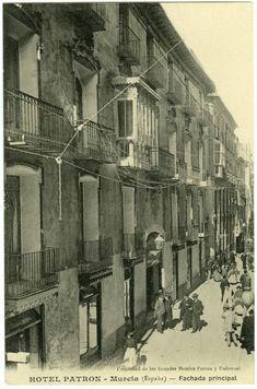 Visor Archivo General Región de Murcia. FOT_POS,04/164 / Fachada principal del Hotel Patrón de Murcia. Calle Trapería c. 1900