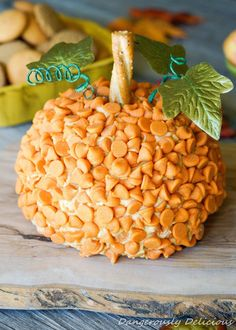 Super Easy Pumpkin Pie Cheese Ball ! The Perfect Fall Appetizer!
