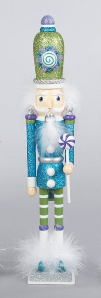 Nutcrackers have always been one of my least favorite Christmas decorations. But this one, I love! Want!!!!