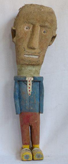 Autre bonhomme. Anonyme. Sculpture en bois, crin, carton. Hauteur 60 cm. modestesethardis.fr
