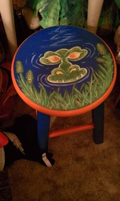 Hand painted wooden stool, great for any Florida Gators Fan :) Check out my Facebook, www.facebook.com/KatiesKreationz  or my Etsy Shop, http://www.etsy.com/shop/mom2aubs