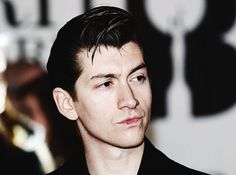 r u human Arctic Monkeys, 19 Year Old Girl, Library Pictures, The Last Shadow Puppets, Great Haircuts, Going To University, Alex Turner, John Travolta, Paramore