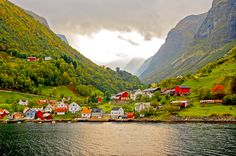 Lovely town on the Sognefjord / 500px