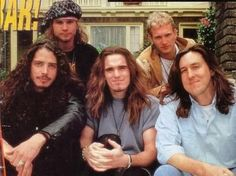 Jeff Ament, Chris Cornell, Matt Dillon, Layne Staley and Cameron Crowe - Singles movie ---- This is HISTORY