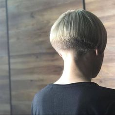 Short Wedge Hairstyles, Stacked Bob Hairstyles, Short Hairstyles For Women, Shaved Bob, Shaved Nape, Shaved Sides, Undercut Ponytail, Nape Undercut, Bowl Haircuts
