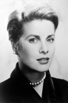 Grace Kelly - More at http://cine-mania.it