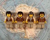 Lovely magnets, that i'm so gonna have on my fridge Lego Mini-Figure fridge magnets (Pirates). €11,95, via Etsy.