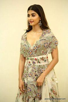 Telugu Actress Pooja Hegde Hot Photos july 2018 8 Pooja Hegde Photos MALAYALAM ACTRESS SANIYA IYAPPAN PHOTOS PHOTO GALLERY  | 1.BP.BLOGSPOT.COM  #EDUCRATSWEB 2020-07-28 1.bp.blogspot.com https://1.bp.blogspot.com/-ZQegawoE1LY/XuR72qVgTkI/AAAAAAAAA-E/DJIxdP6SOZ0TO64F37aCt9xzCe8JvHooACNcBGAsYHQ/s640/actress-saniya-iyappan-photos-8.jpg
