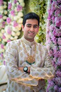 Indian Groom Wedding Jewellery Idea such as kalgis, sarpech, pendants and chains. Real Grooms Who Wore Jewellery Better Than Their Brides! Groom Wedding Jewellery, Groom Wedding Accessories, Wedding Outfits For Groom, Groom Wedding Dress, Indian Wedding Outfits, Wedding Men, Bride Groom, Indian Weddings, Farm Wedding