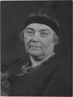 Emily Carr, painter, writer (born 13 December 1871 in Victoria, BC; died 2 March 1945 in Victoria)./One of fav. Emily Carr, Canada Images, O Canada, The Great White, Victoria, Impressionist Paintings, Doodle, Great Women, Canadian Artists