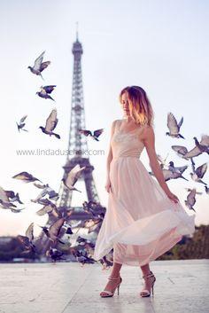 Photoshoot Paris Eiffel tower fashion Beauty #photoshootparis #photoshooteiffeltower