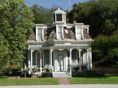 Historical homes always give you that homey and lovely feeling.