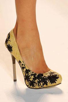 SPRING 2013 RUNWAY ACCESSORIES: Lela Rose natural + black floral print heels