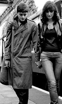 Sam Riley and Alexandra Maria Lara acting like Ian Curtis and Annik Honoré  in Control movie