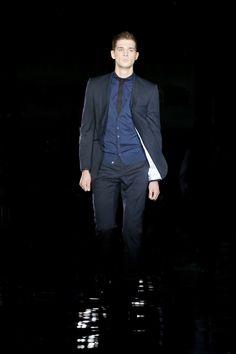 Ozwald Boateng classy suit Ozwald Boateng, Wedding Coat, Classy Suits, Dress Up, Corner, Formal, Style, Fashion, Preppy