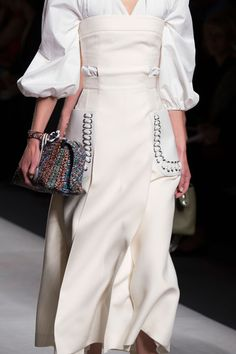 Fendi at Milan Fashion Week Spring 2016 - Details Runway Photos