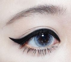 The perfect winged eyeliner! Makeup Inspo, Makeup Inspiration, Beauty Makeup, Hair Beauty, Korean Makeup Tips, Asian Makeup, Korean Beauty, Cute Makeup, Makeup Looks