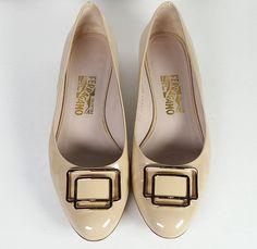 $495 Salvatore Ferragamo 9 Beige Patent Leather Ballet Flats *PRIMO* Size 9…