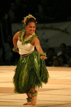Hula Auana  - Miss Aloha Hula 2010 second runner up, Merrie Monarch