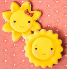 Sun decorated iced cookies #icingcookies | kawaii sunshine cookies  Find her on Facebook (cReeative Cookies) and Instagram @creeative_cookies