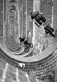 Evolve by Mike Deere. Original in colour. #bikes #cycling #fake