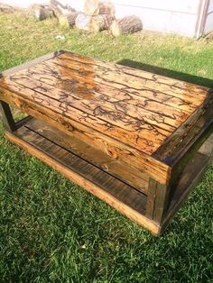 Upcycled Pallet Coffee Table for Outdoor | 101 Pallet Ideas