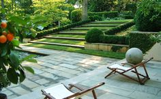 Grass and wide stone planks make a gradual stair/ramp howard design studio - gorgeous gardens Living Pool, Outdoor Living, Outdoor Decor, Formal Gardens, Outdoor Gardens, Beautiful Gardens, Beautiful Landscapes, Garden Steps, Garden Pool